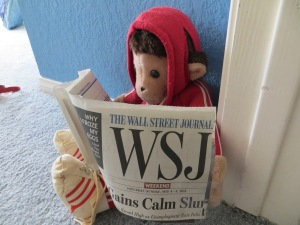 Monkey+reading+the+newspaper+(4)-1